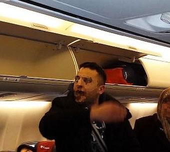 turk-yolcular-ucakta-5-saat-eylem-yapti-52c8b6c07d402